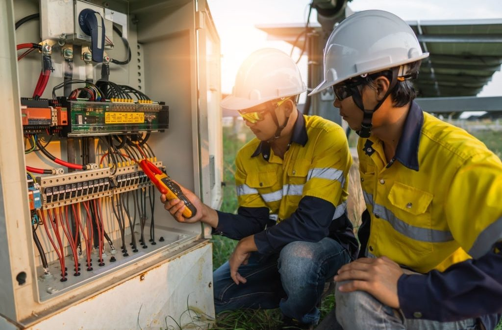 Qualities Of An Efficient Electrician Or Electrical Contractor